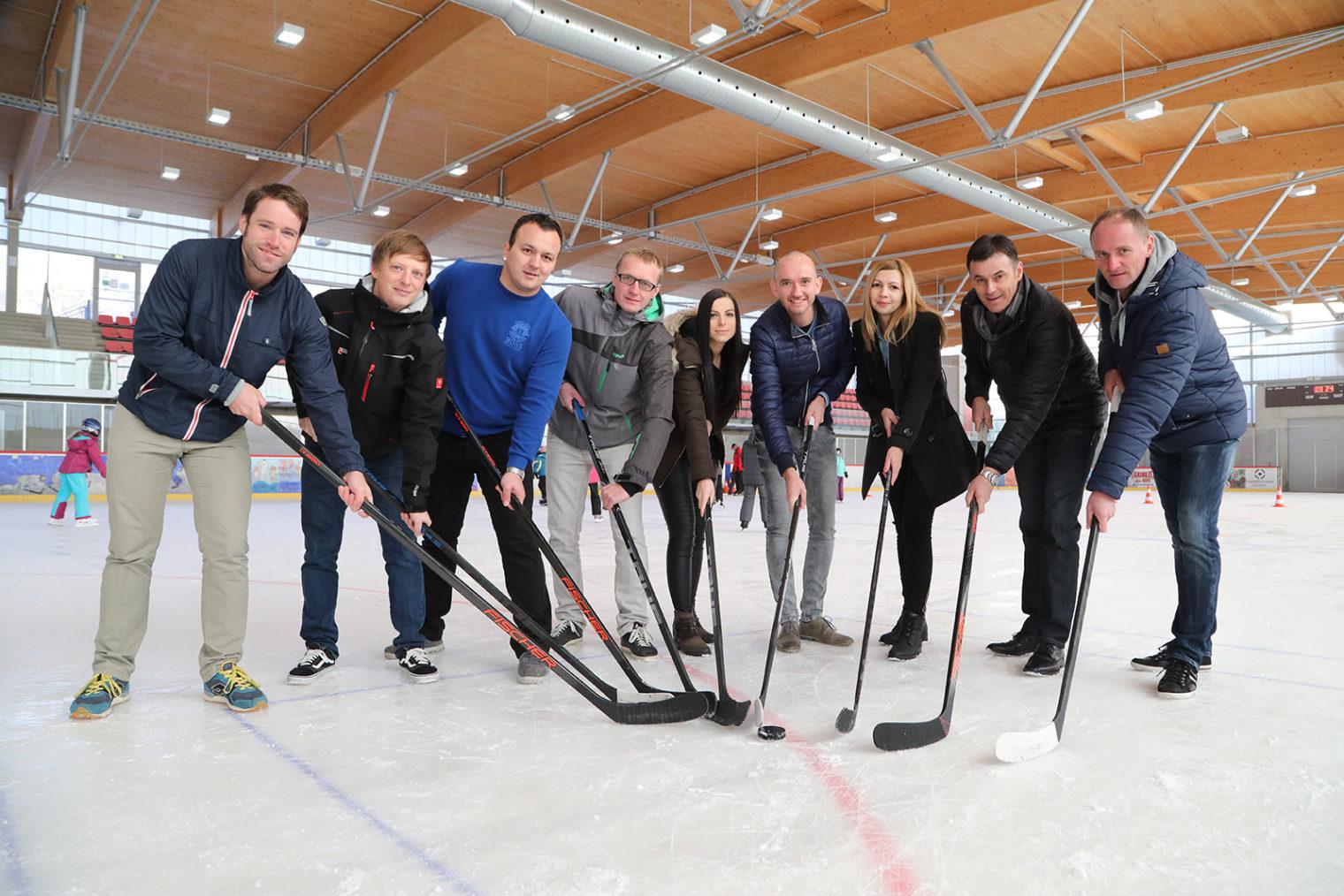 Team Referat Sport in der Eishalle Leoben