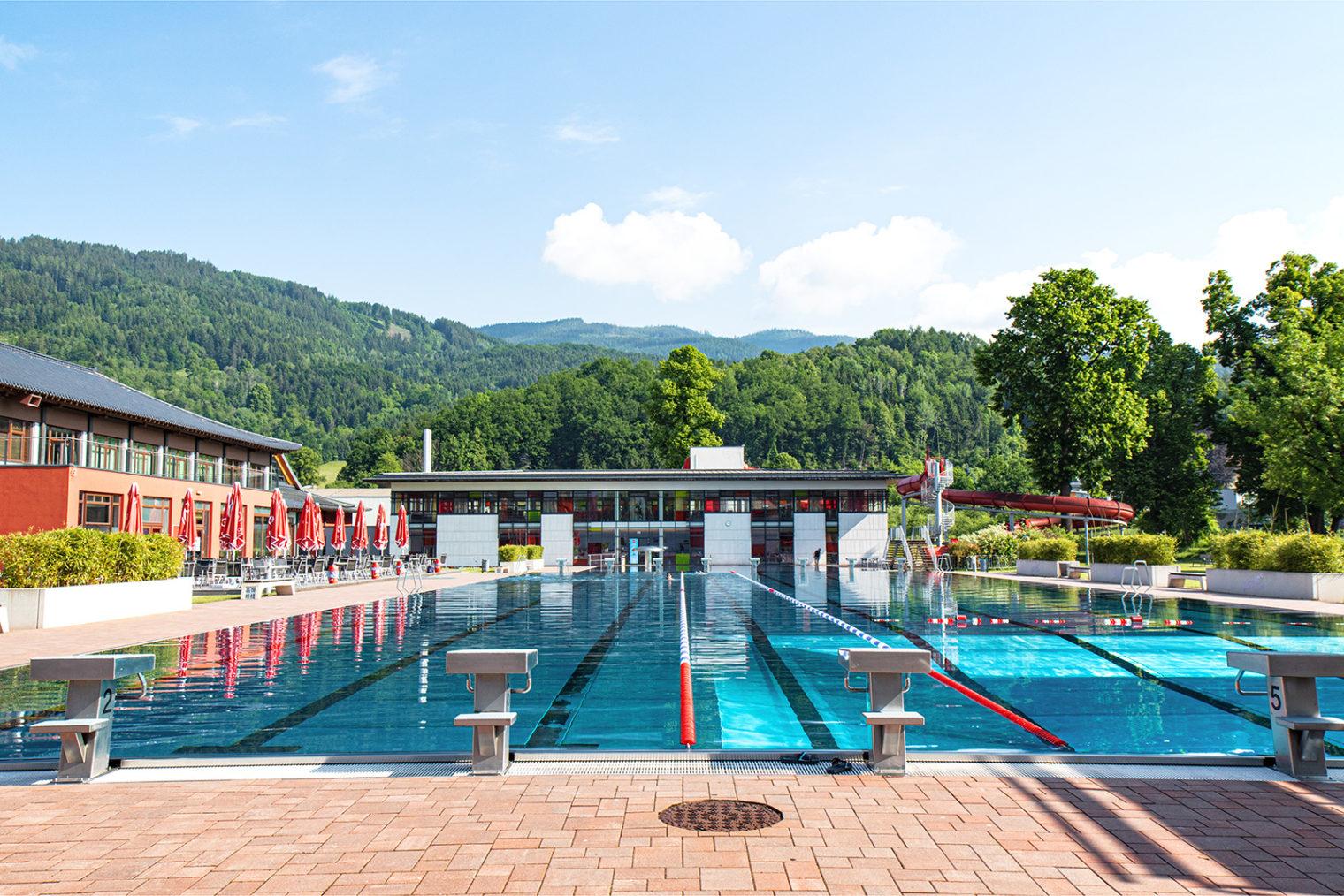 Außenbereich Sportbecken Asia Spa