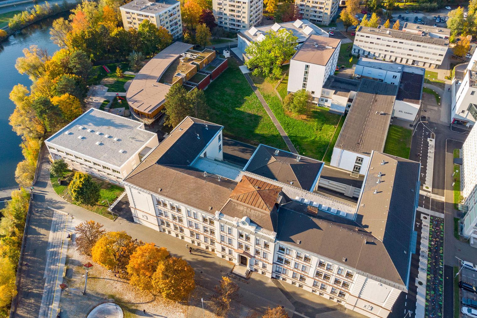 Luftbild Bildungszentrum Leoben-Innenstadt