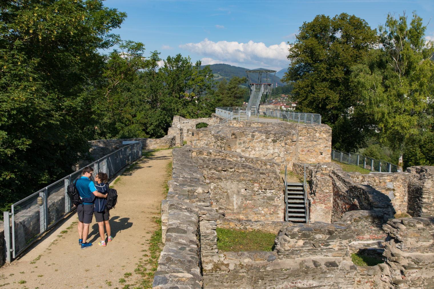 Ausgangspunkt der Wanderung: Aussichtsplattform der Massenburg Leoben