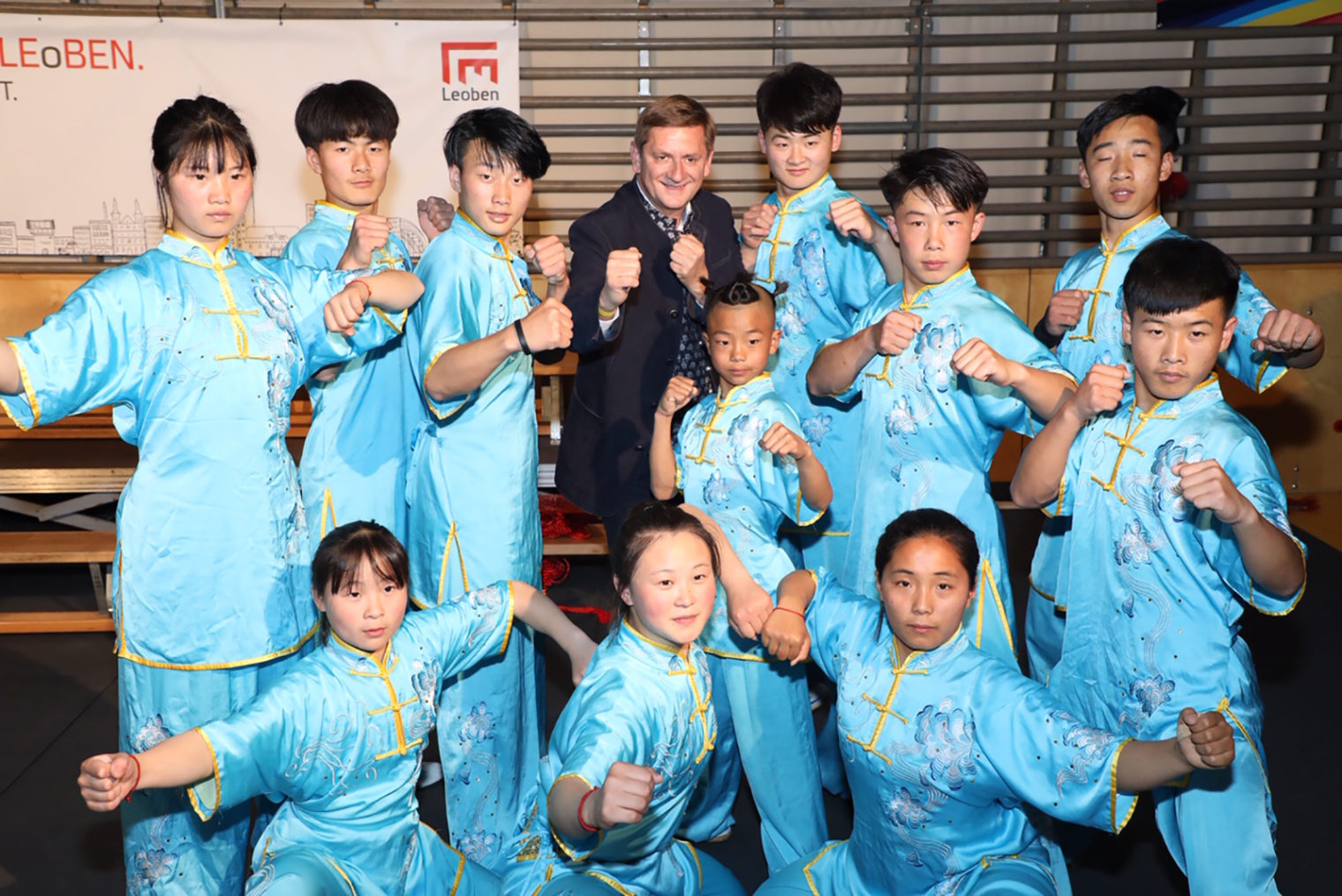 Kung Fu Ensemble mit Bürgermeister Kurt Wallner in Leoben