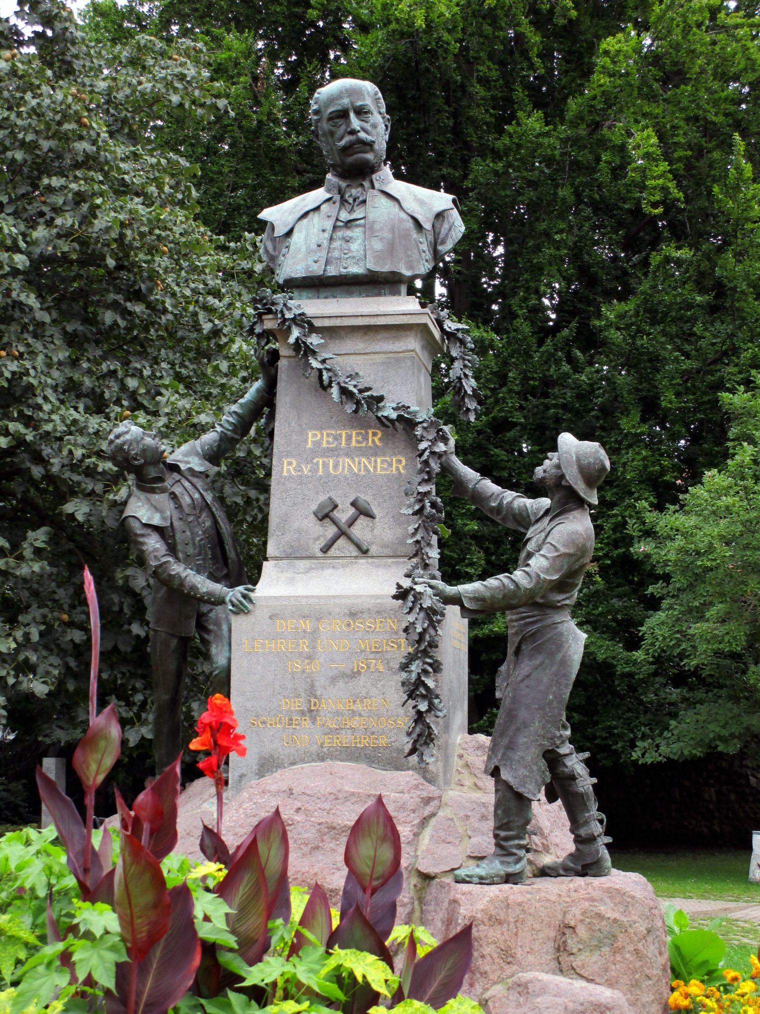 Peter Tunner Denkmal