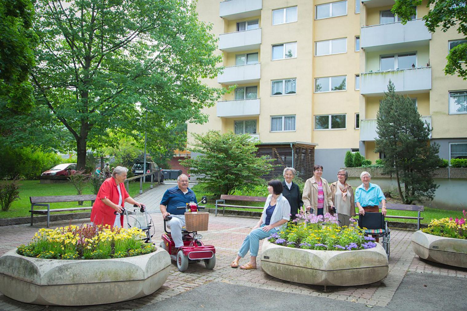 Senioren-Spaziergang Gruppenfoto