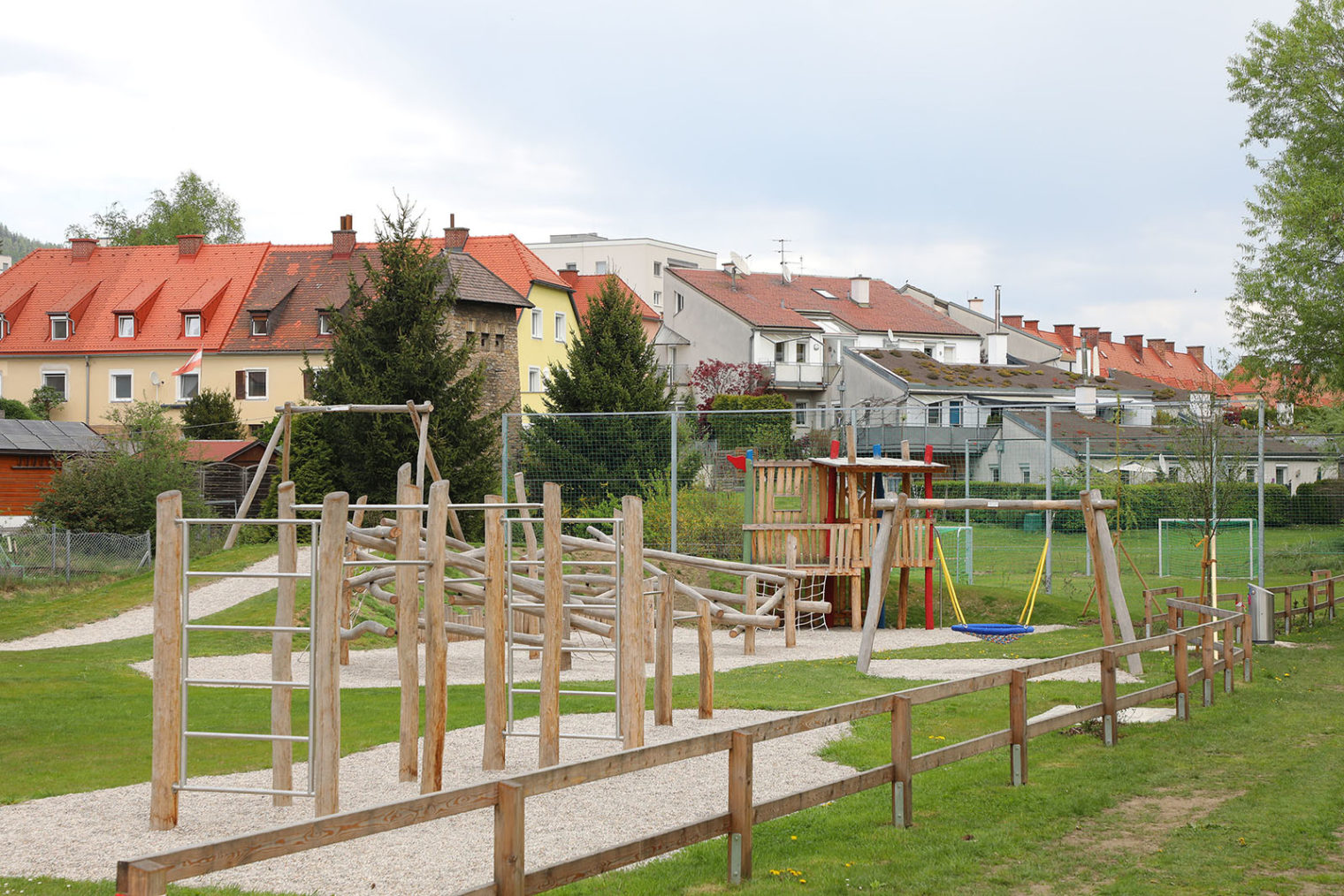 play equipment at the Prolebersiedlung playground