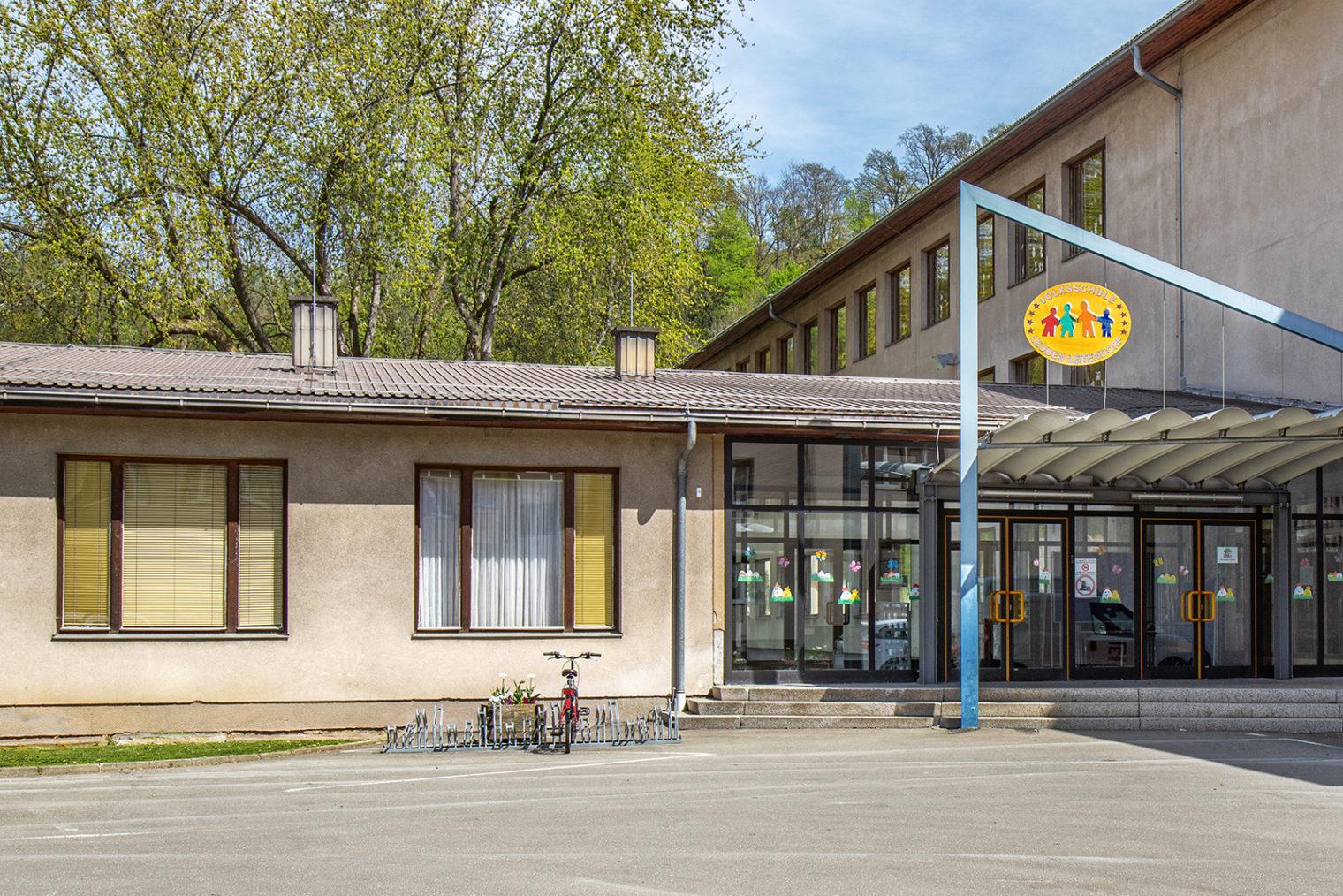 Eingangsbereich Volksschule Leoben-Leitendorf