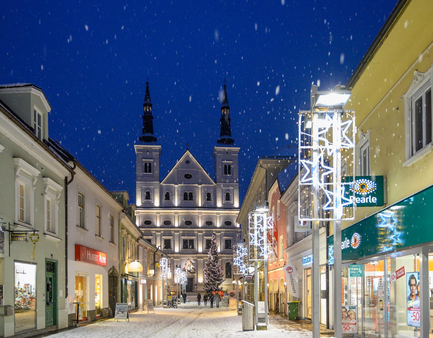 Stadtpfarrkirche St Xaver Leoben im Winter