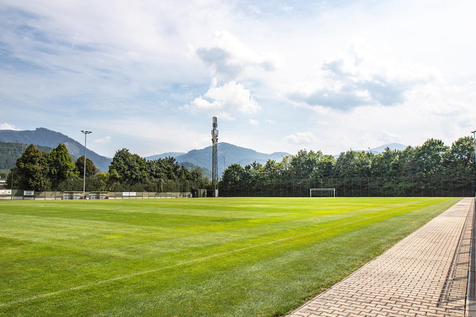 Fußballfeld am Tivoli