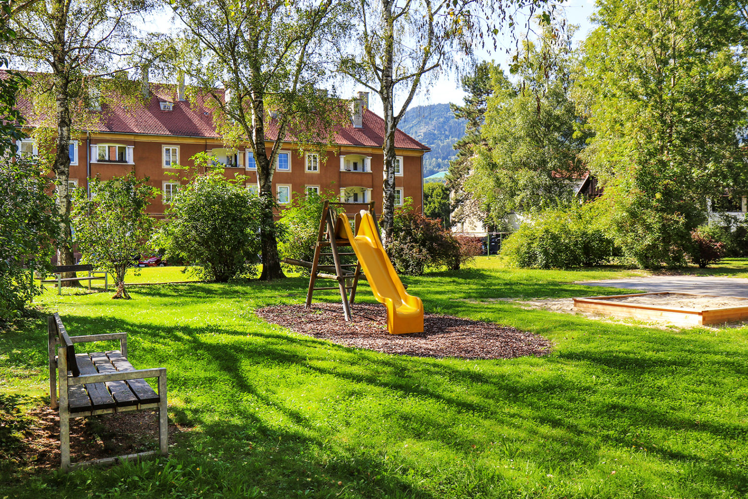 Play equipment at the Südtiroler Hof playground