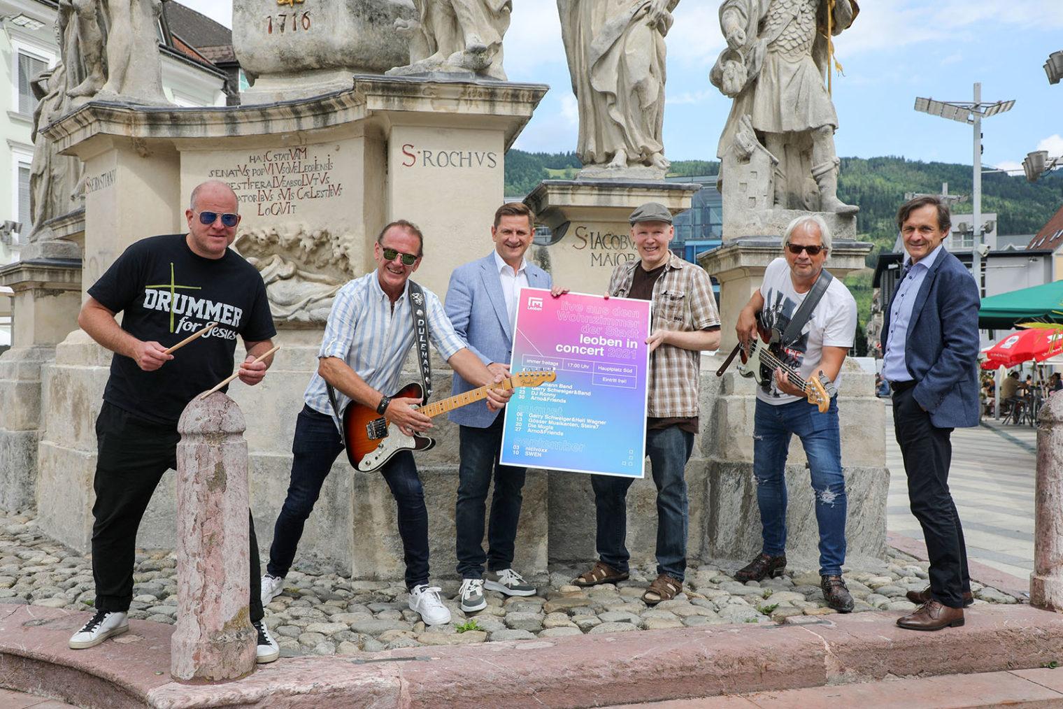 Gruppenbild Musiker und Stadtverantwortliche